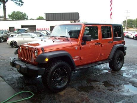 2010 jeep wrangler unlimited 4x4 4 door hardtop with removeable. Black Bedroom Furniture Sets. Home Design Ideas