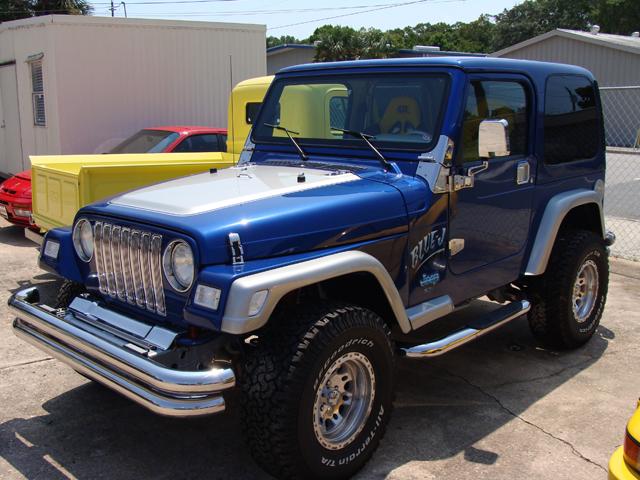 1997 Custom Show Quality Jeep Wrangler  got 4 x 4