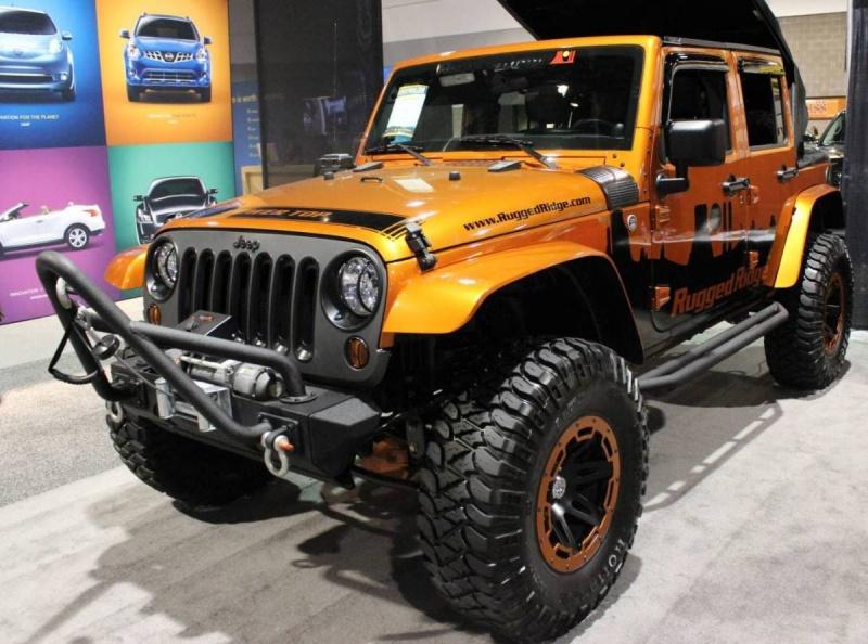 Custom Jeeps Board by Jinks 137  got 4 x 4