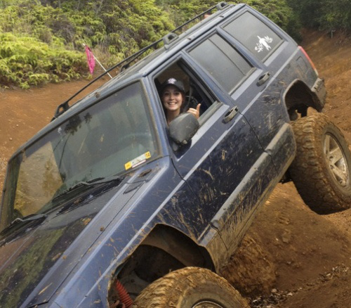 Photos of a hot girl off-roading in Jeep  theTHROTTLE