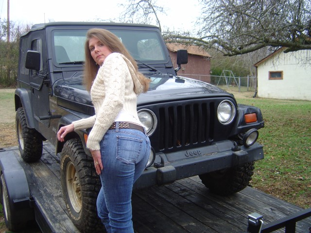 Girls and their jeeps – Page 18