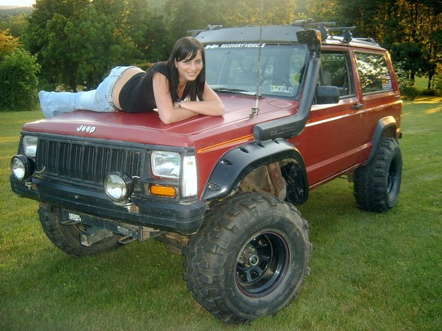 Pics Of Your Cherokee With Girls… – JeepForum.