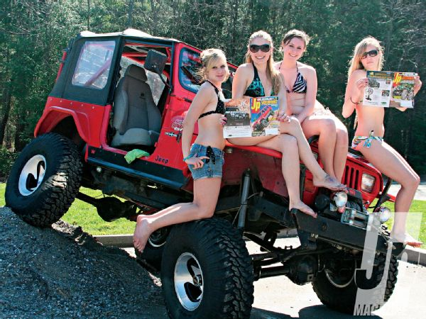 Jeep Girls – Photo 03 – Radial vs. Bias-Ply Tires