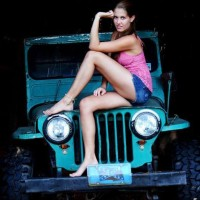 Jeep Girls and their Transportation  Offroad-Zone Dubai