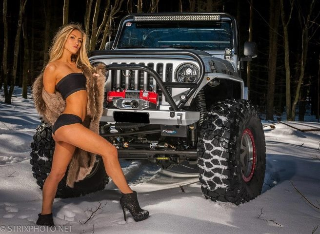 JEEP girls  Incorrecto.  got 4 x 4