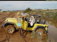pics-max-12110-277518-jeep-girls-got-stuck-on-a-muddy-path  The …