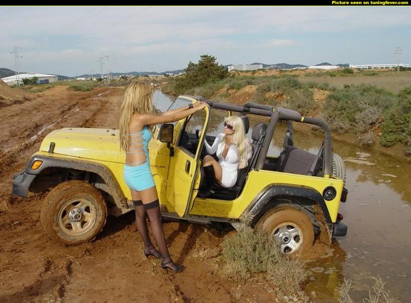 pics-max-12110-277518-jeep-girls-got-stuck-on-a-muddy-path  The …