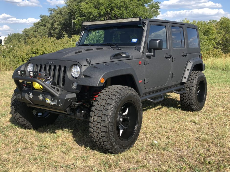 Hemi V8-Powered 2017 Jeep Wrangler Unlimited Rubicon for sale on …
