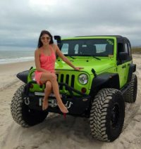Photos of hot Jeep girls  theTHROTTLE  Jeep  Pinterest  Jeep …
