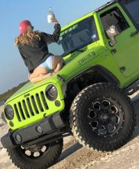 Barefooted Jeepgirls  jeep girls  Jeep Jeep truck Green jeep