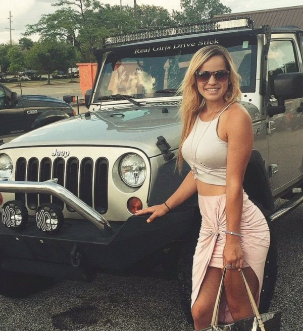Dirty hot Jeep chicks are back 58 Photos  theCHIVE