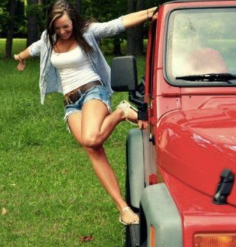Pin on Hot jeep babes