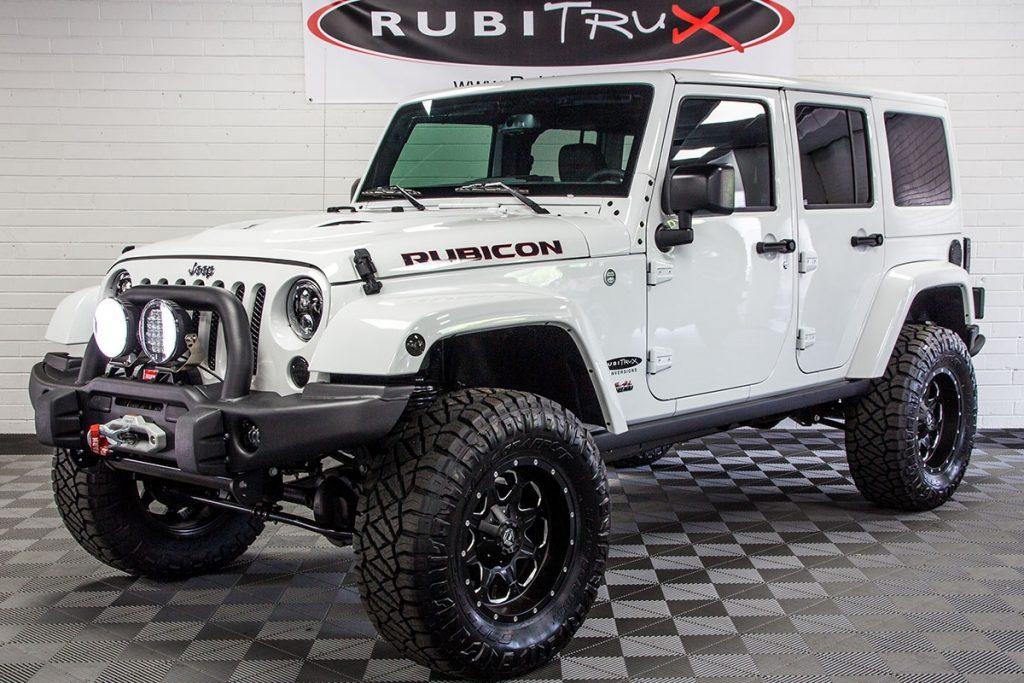 2017 Jeep Wrangler Rubicon Unlimited HEMI White