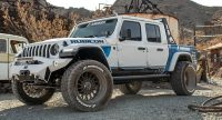 Sentury custom Jeep highlights Landsail Rogueblazer tires